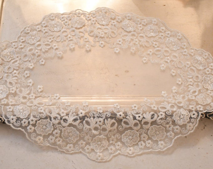 Center in embroidered organza Made in italy