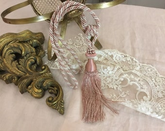 """Stop in antique pink silk """"Gemma"""""""