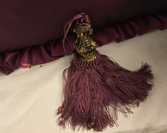 "Staple for Keys ""aristocratic"" tassel for keys luxury vintage decoration"