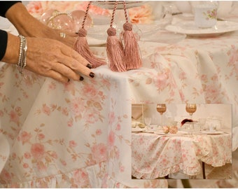 Shabbychic flower tablecloth with voilant