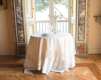 "Elegant and refined tablecloth in pure white linen and precious lace ""MARIACAROLINA"""