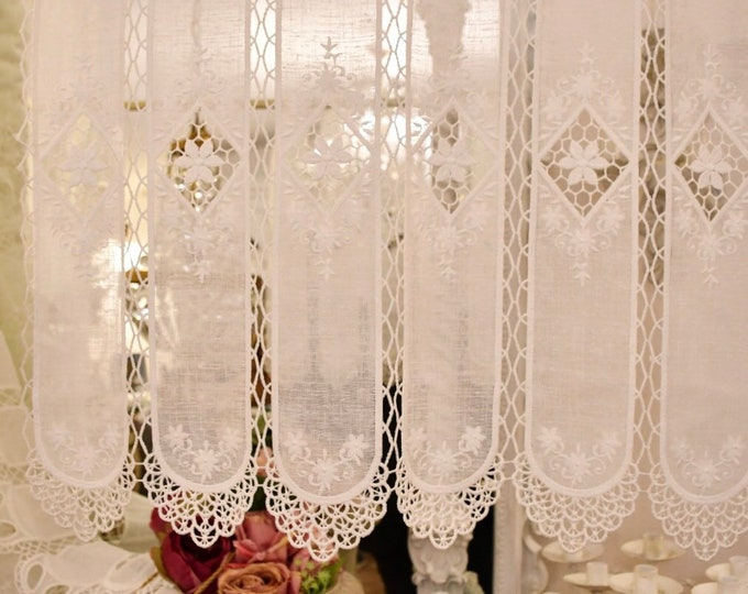 """Glass curtains embroidered """"Lucy"""""""