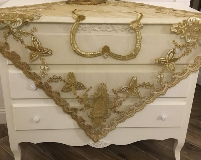 Luxury Victorian Table cover