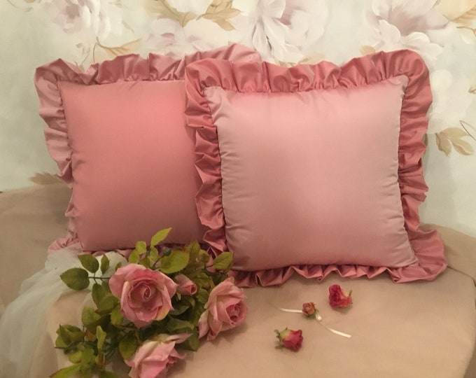 Pink powder for the set of 2 cushions with ruffles in prized taffeta