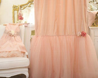 """Ballerina"" antique pink tent"