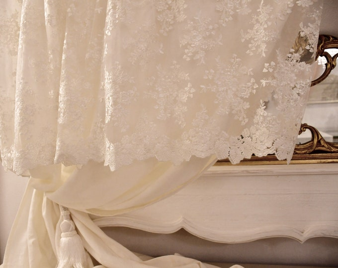 Pure linen curtain with fine lace mantovana