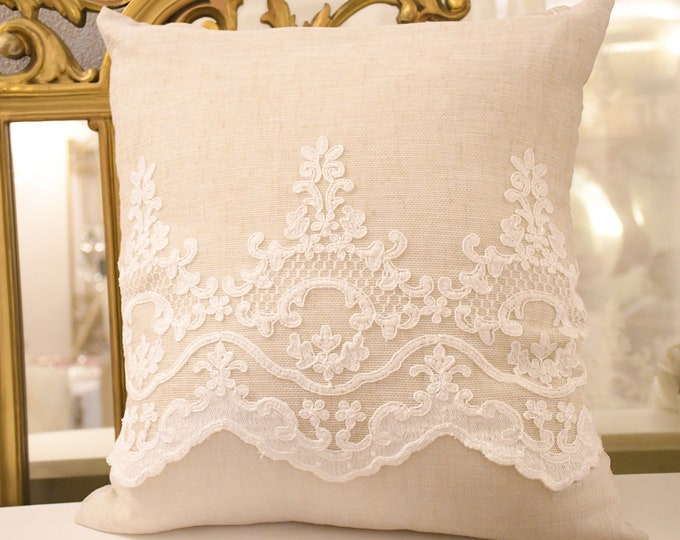 """Linen cushion and embroidery collection """"versailles"""" décor 1"""