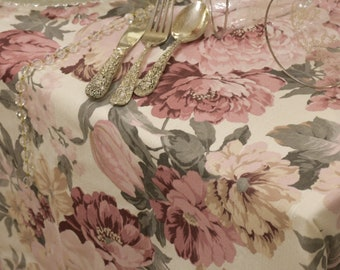 Shabbychic floral tablecloth