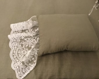 """VILLA VITTORIA"" luxury Italian pillow with gala"