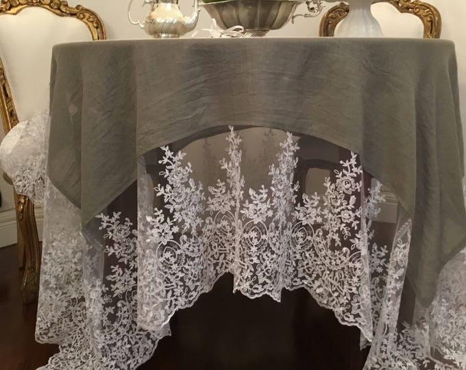 """Linen tablecloth and fine lace """"VILLA VITTORIA"""""""