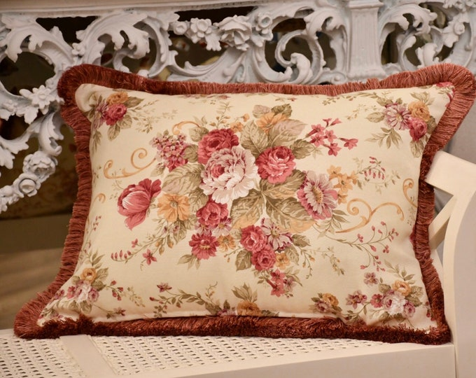 """Pillow with """"Rose Vintage"""" trimmings"""