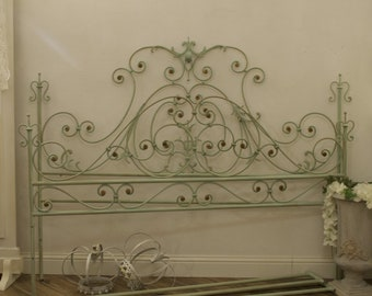 Antique Italian bed of the TWENTIETH century in wrought iron, complete headboard, Pediera and double-bed period