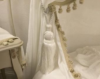 Fermatende/Ambrasse for precious tent decoration tassels Italian luxury