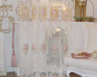 """Tulle curtain embroidered with roses """"REGALE"""""""