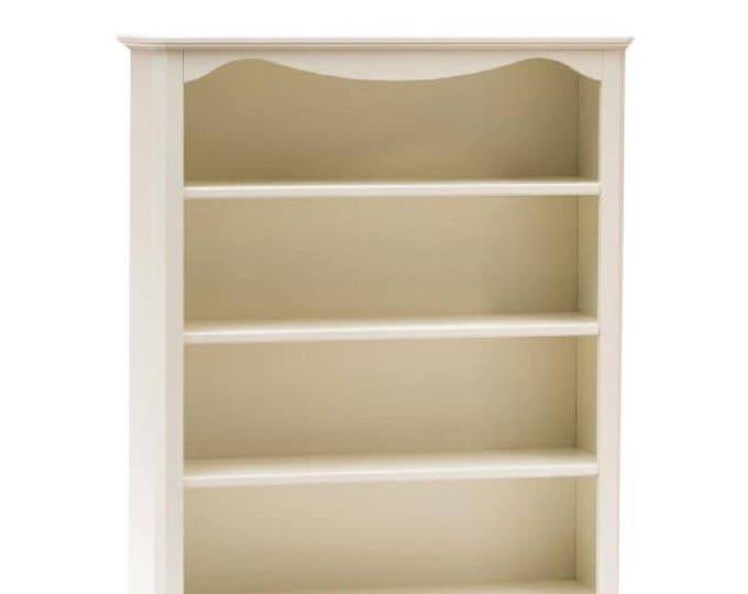 "White bookcase ""Giselle"""