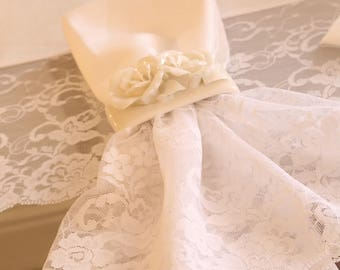 """Set of 6 cotton napkins and total white lace collection """"The Princesses"""""""