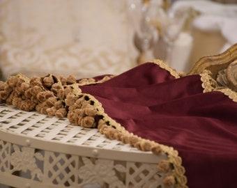 "Runner collection ""duchess"" fine velvet and burgundy antique gold trimmings"