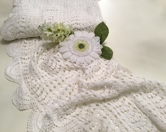 Lace made in white crochet