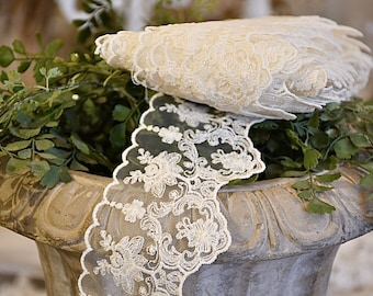 """Embroidered tulle lace """"Silvy"""""""