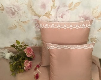 Pillow cover taffetá and handmade light antique pink lace in Italy