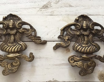 Ancient rare pair of ancient coats of arms of the 20th century