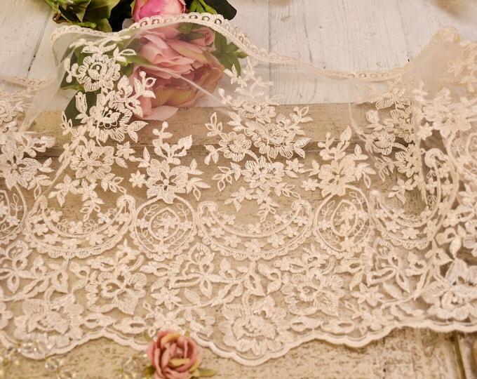 "White/ivory ""MariaVittoria"" antique lace"