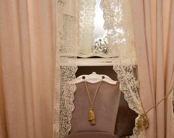 "Pair of linen curtains and precious lace ""Maria Carolina"""