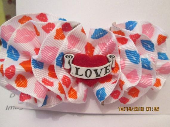 Love and kisses barrette