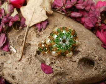 Beaded ring beadweaving green and yellow cream pearl beads
