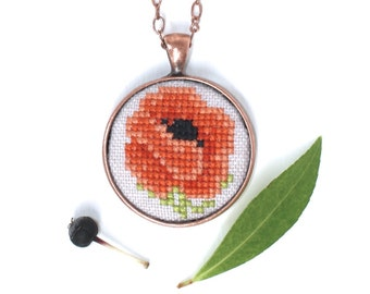 Hand embroidered vintage Poppy Necklace Flower necklace Birthday gift Gifts for Wife For mom Cross stitch poppy Garden party Nature necklace