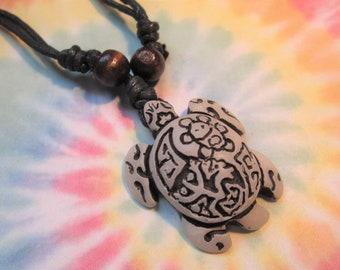 Hippie Bohemian Hemp Necklace Beach Jewelry Retro Trippy Glass Turtle Pendant Sea Turtle Glass Pendant Hemp Jewelry