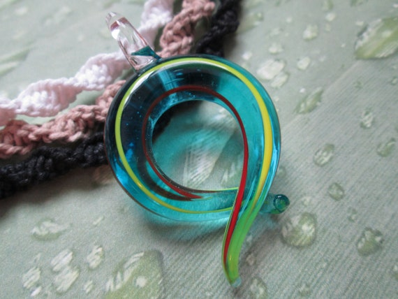 """New Hand Crafted Hemp Necklace with /""""Hand Blown/""""  Black /& White Glass Pendant"""