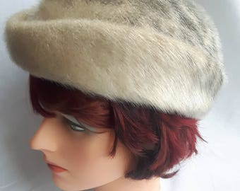 Vintage womens faux fur hat