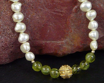 Pearl Necklace with Peridot