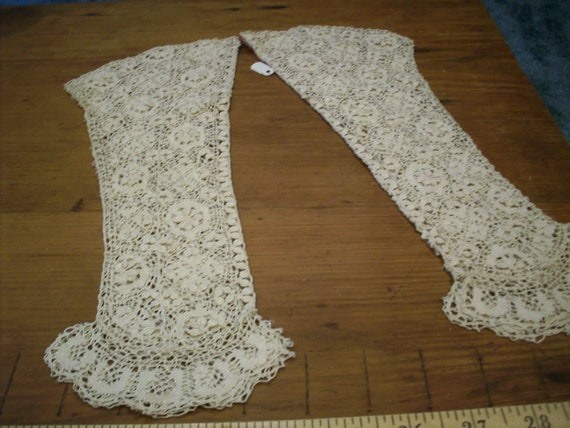 Hand done gloves fingerless lace antique Maltese