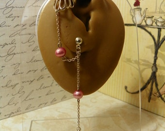 Ear cuff single piercing with pink pearl and pewter leaf