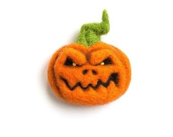 Jack O' Lantern - Pumpkin Brooch - Hand Felted Brooch - Wool Plant - Halloween jewelry