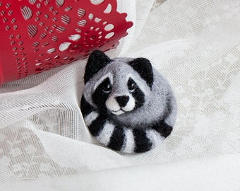 Raccoon brooch, Hand Felted Brooch, Wool Animal, Eco friendly, Personalised gifts, Gifts for her valentine gift