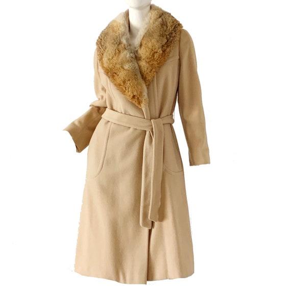 Vintage 70s Fox Fur Coat / Mod Beige Wool Wrap Coa