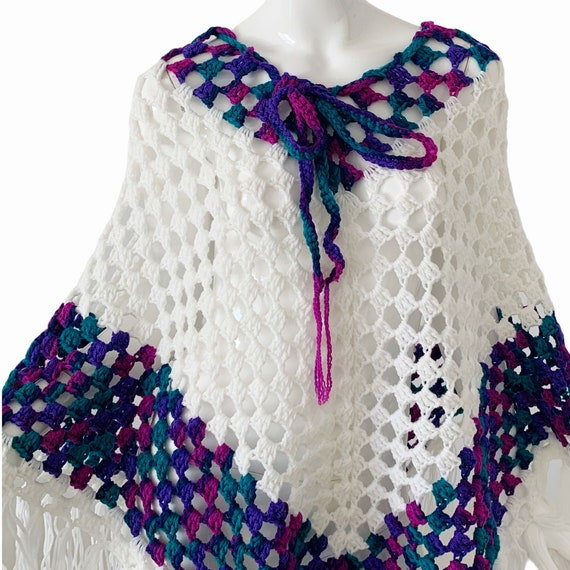 Vintage 70s Crochet Poncho, Boho Cottagecore Frin… - image 2