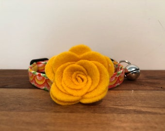 Sunshine Cat Collar with optional Flower, Bow Tie or Neck Tie.