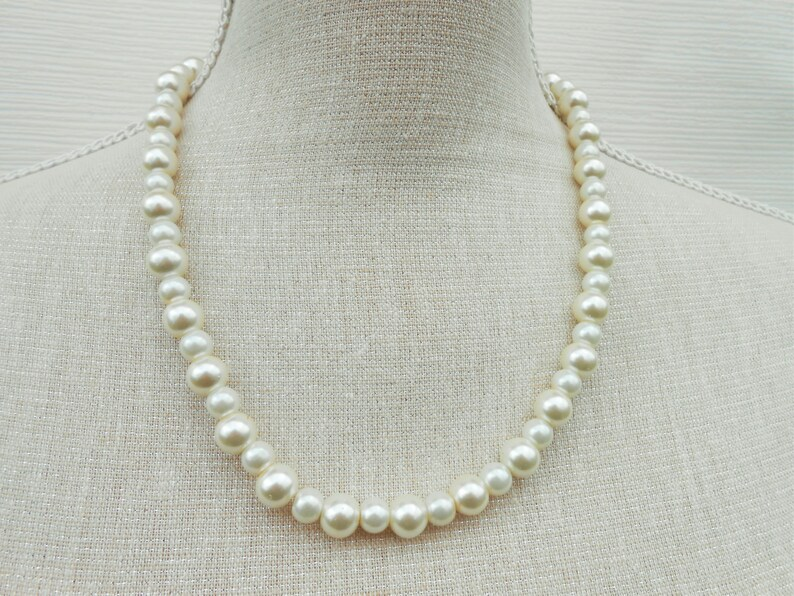Bridesmaid gift Birthday gift,Teacher gift Wedding necklace Bridesmaid necklace Ivory and white pearl necklace Mother day
