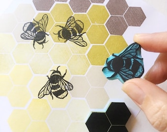 Bee rubber stamp, bumble bee hand carved stamp, made by cassastamps