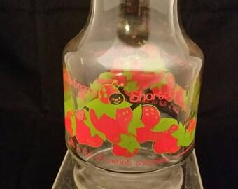 Strawberry shortcake juice carafe