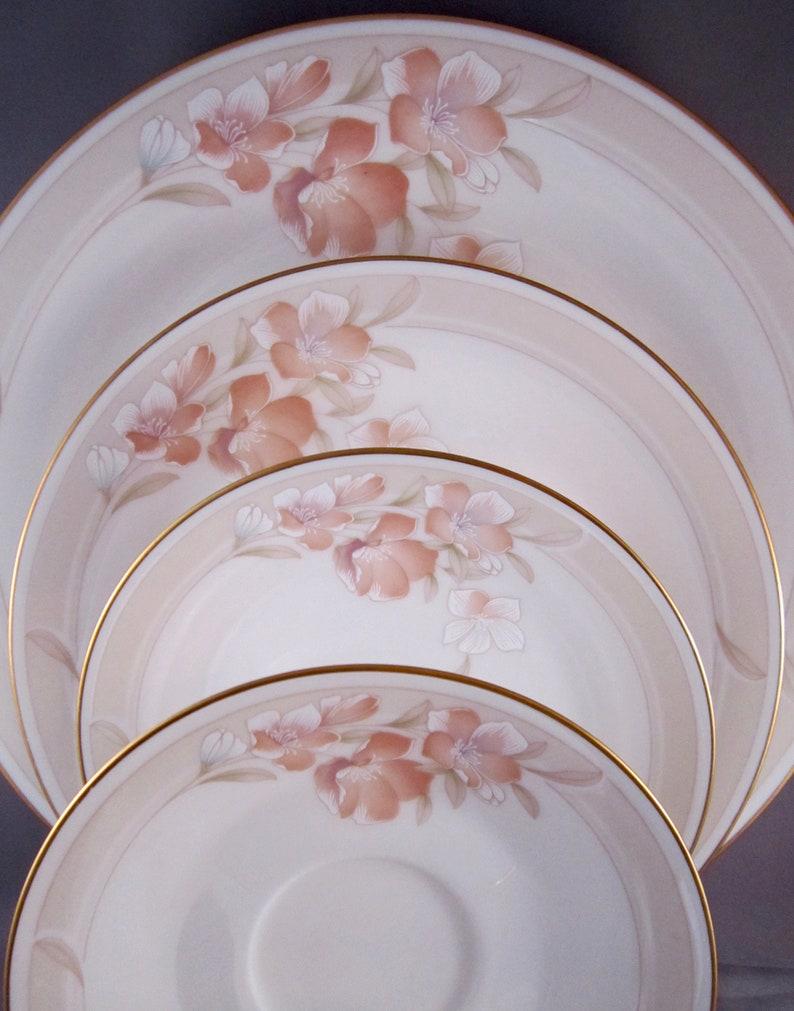 7282 Vintage Japanese China Noritake Spring Venture 5 Piece Place Setting