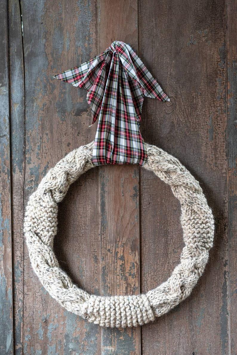 18 farmhouse wreath spring wreath super chunky cable knit wreath knitted home decor tartan plaid decor Christmas decor large wreath