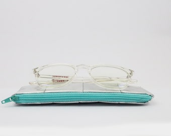 Sustainable silver Glasses Case, vegan sunglasses pouch, recycled Materials, Zero Waste, eco friendly glasses zipper pouch