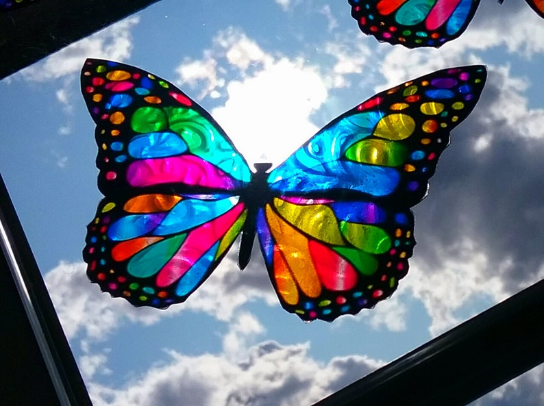 Beautiful Colorful Butterflies up to 5 in long Clings to windows /& more  NEW