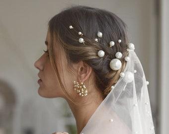 Carla | Bridal Hair Pins, Pearl Hairpin, Bridal Pearls, Pearl Hair pins, Pearl Comb, Pearl Headpiece, JONIDA RIPANI - Made in Italy