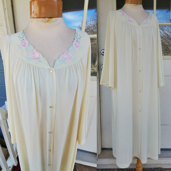 Vintage yellow rose nightgown •size 1X - image 4